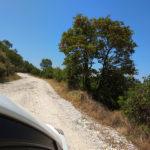 old road Saranda-Gjirokastra (SH78) - droga przez góry bez asfaltu.