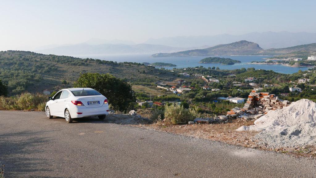 wynajem samochodu w Albanii - widok na Ksamil